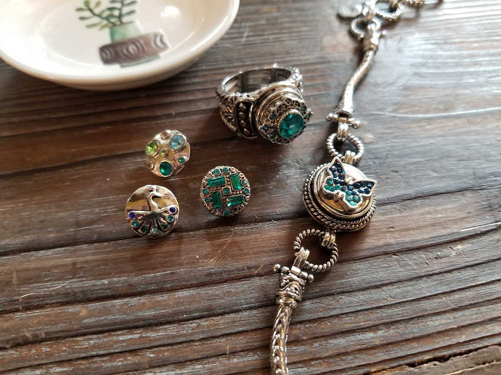 """Gingersnap Jewelry """"snaps"""""""