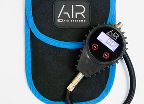 OUTDOORS ESSENTIALS - ARB E-Z DEFLATOR DIGITAL GAUGE