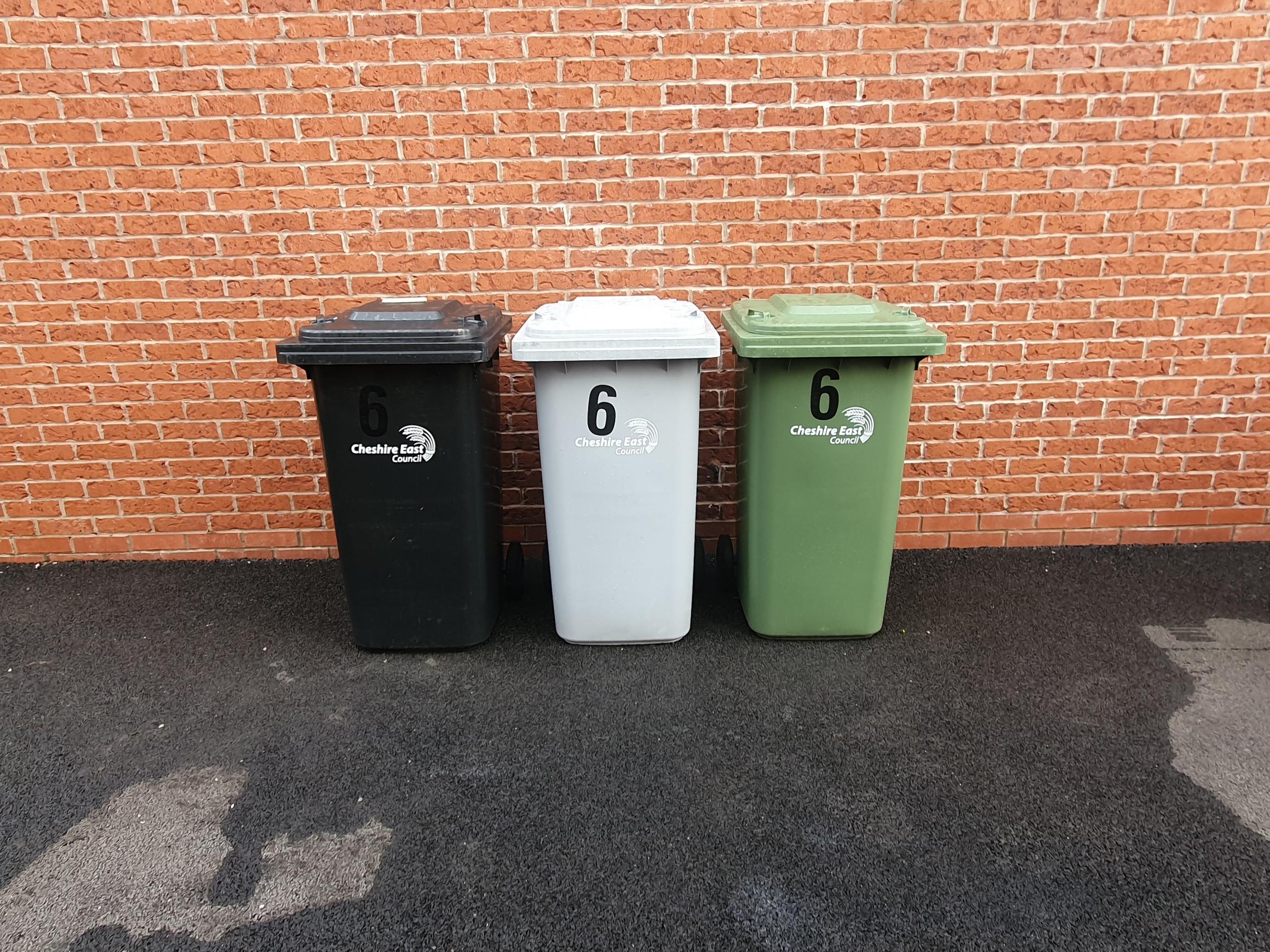 Black/Green/Grey Bin clean 4Weekly £12