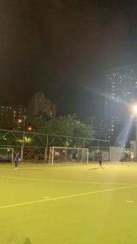 九龍城區體育會乙組足球隊積極備戰中.....