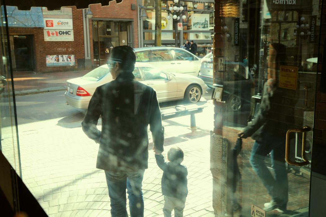 午後咖啡館定鏡眾生