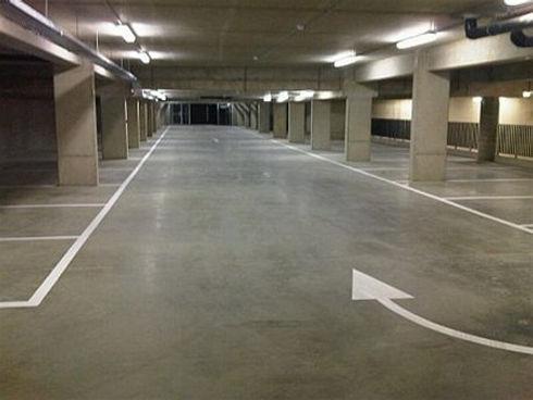 ondertussen-in-de-ondergrondse-parking.j