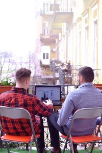 Mit jelent Coworking Irodában dolgozni?