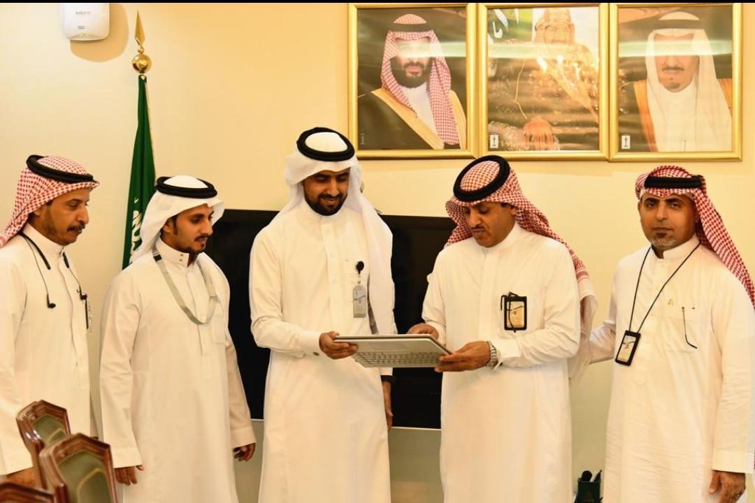 سعادة مدير الشئون الصحية بمحافظة جدة يدشن الموقع الإلكتروني للإمداد