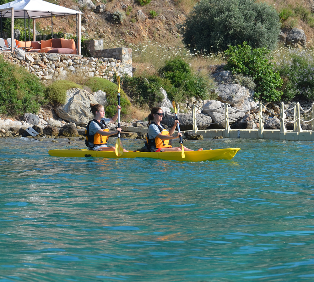 Snap Kayak Tandem Action Shot 2