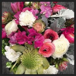 Mix fresh flowers bride bouquet