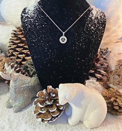 Collier pendentif Triskèle et strass.