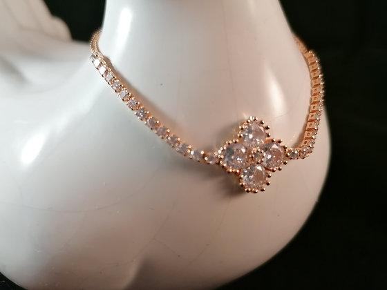 Bracelet petite fleur strass