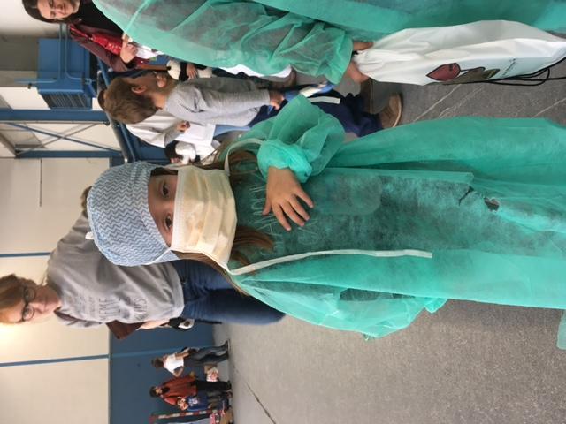Chirurgienne en herbe