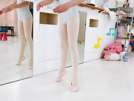 膝の位置、足の形が美しい小学生^_^