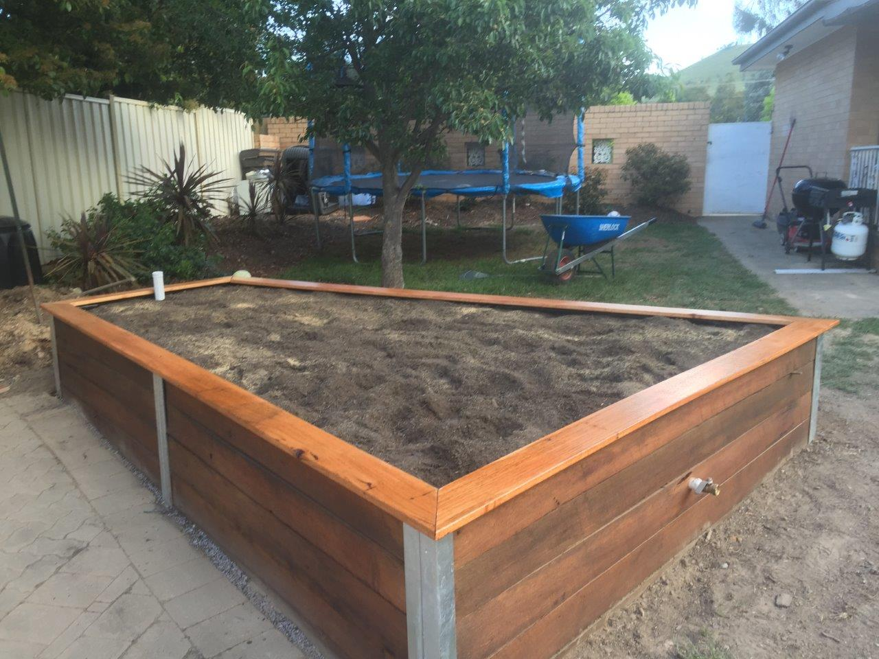Wicking bed, completed
