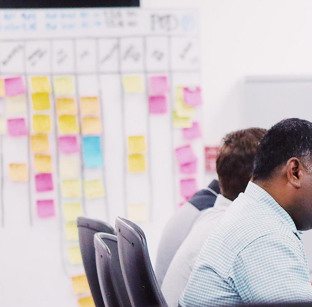 Inovasi di kantor menggunakan design thinking dan agile development