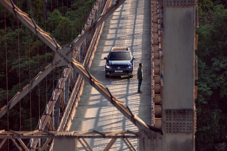 Tiguan-Rohan-Dong-Bridge