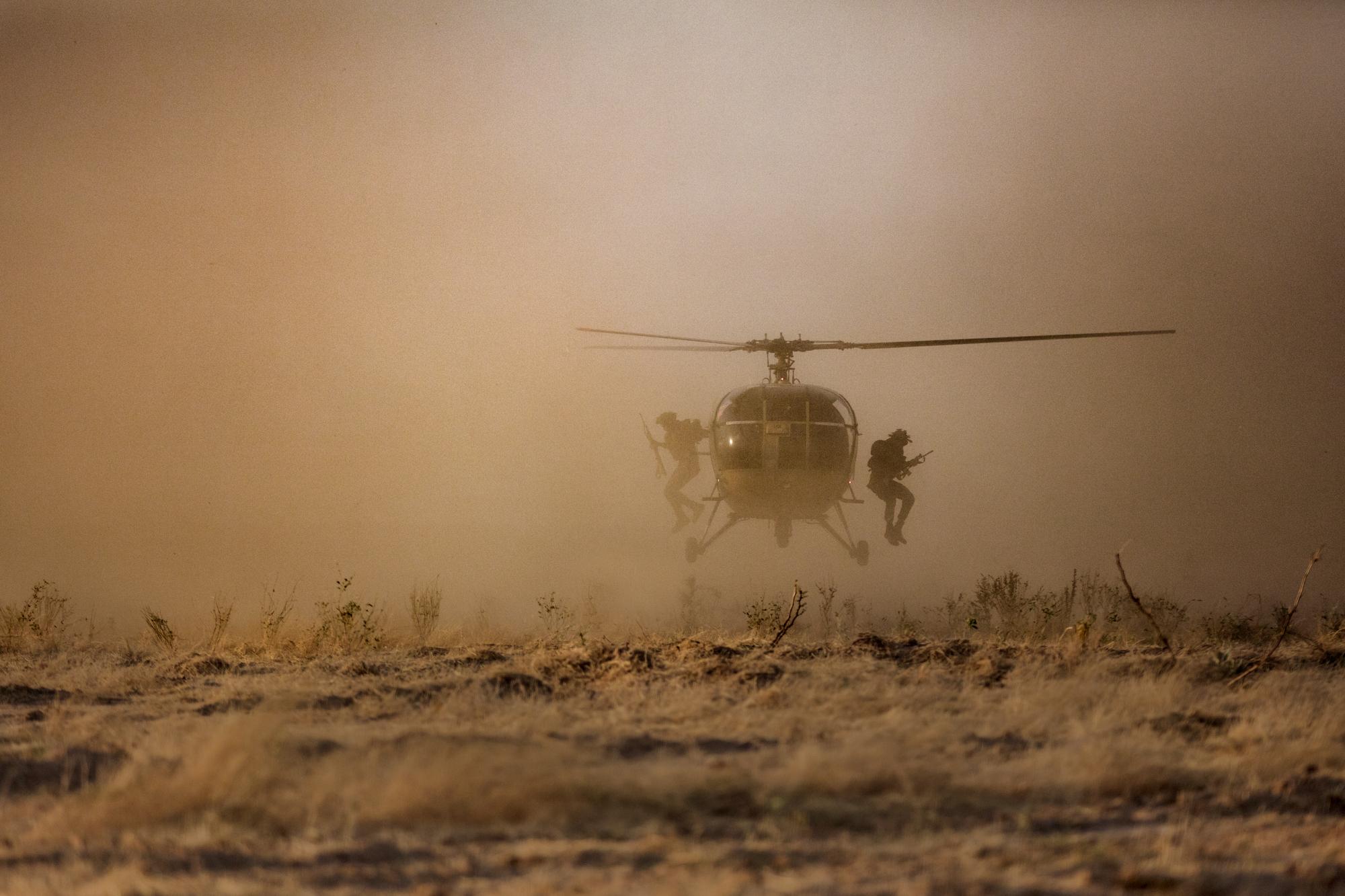 troops landing dust