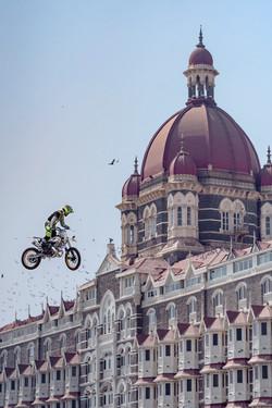 Motorcross Taj mahal hotel