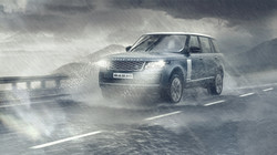 Range rover Vogue in India Rains