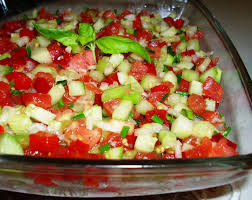 Salade Tomtates Oignons concombre.jpg