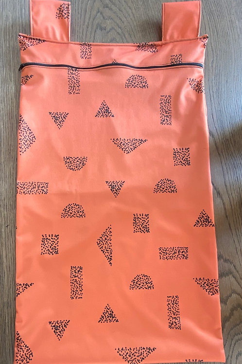 1 sac souillé (très-grand)