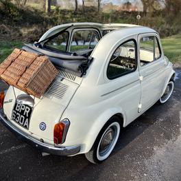 Vintage Fiat 500 wedding car