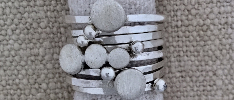 pebble & moon stackers
