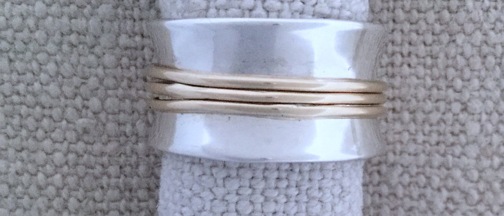 gold motion ring