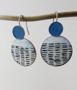 Round line earrings