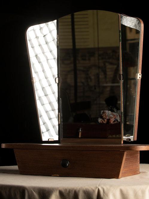 Tocador con espejo tríptico