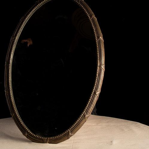 Espejo de diseño clásico de bronce
