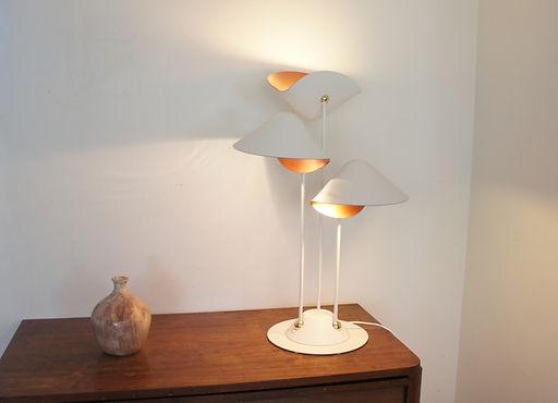 lampe-à-poser-design-minimaliste-luminaire-orientable- éclairage-mobile-tendance-2014-sur-mesure