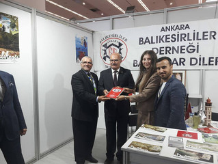 ATO Başkanı Sayın Gürsel BARAN Ankara Balıkesirliler Derneği standını ziyaret etti.