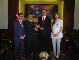 Dernek Yönetimimiz Balıkesir Valisi Sn. Ahmet Turhan'ı makamında ziyaret etti...