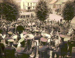 The band play on the town square.