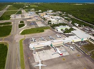 2019-_Vista_aérea_del_aeropuerto_-_Aeri