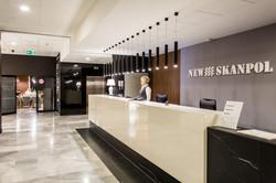 recepcja-hotelu-New-Skanpol_2