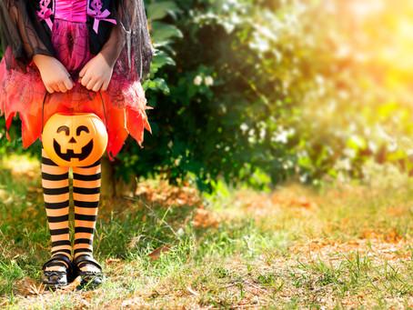 Halloween: Kids, scary costumes & sugar