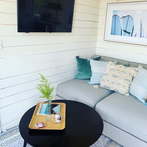 Tiny oceanfront retreat living room