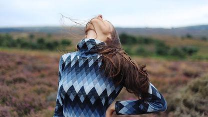 woman-stretching-neck_h.jpg