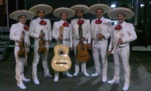 Mariachi de Los Hermanos can't stop!