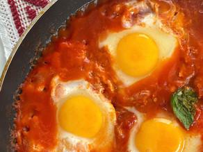 Eggs al sugo