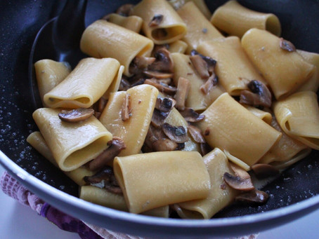 PASTA WITH GORGONZOLA AND MUSHROOMS
