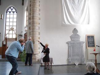het epitaaf (grafmonument) van Lambrechtsen Coolen nadert zijn voltooiing.