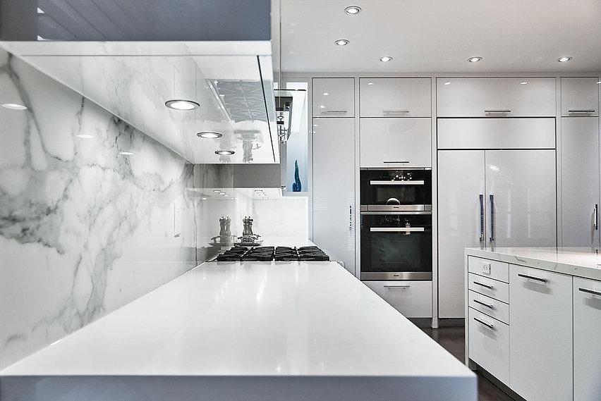 modern-white-kitchen-with-hi-tech-flap-f