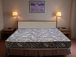 hotel-room-2-1550441.jpg
