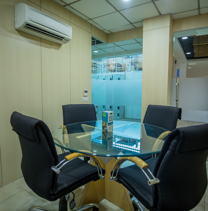 4 Seat Meeting Room