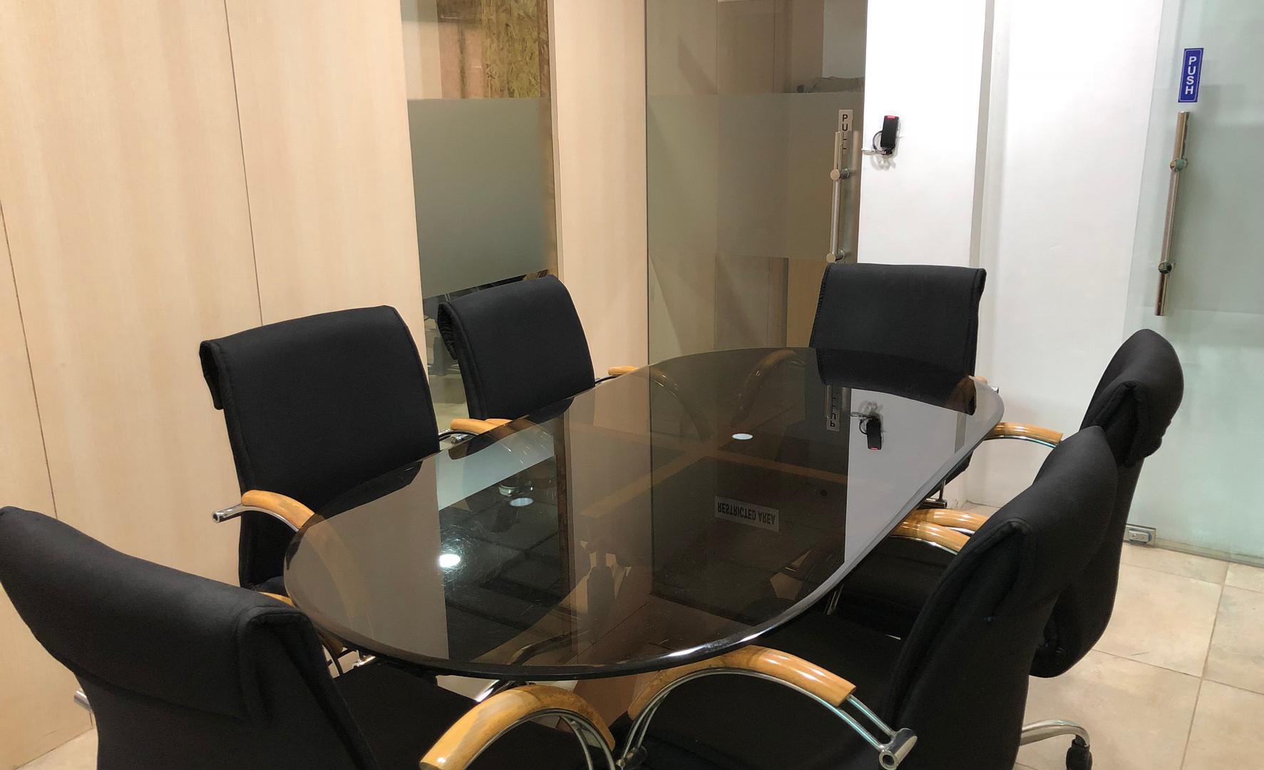 6 Seat Meeting Room