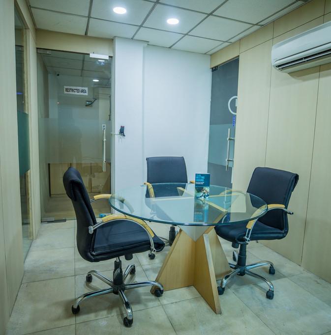 3 Seat Meeting Room