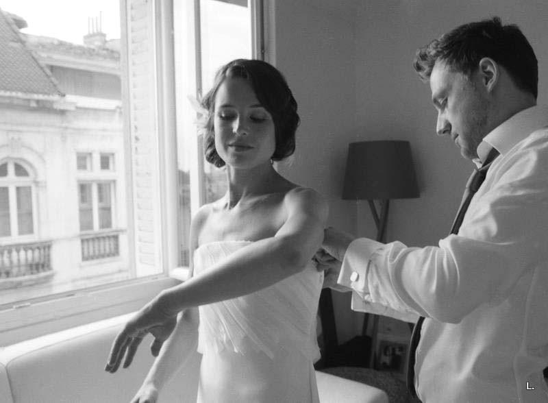 La robe de Vanessa en georgette de soie au corsage rebrodé d'un millefeuilles de tulle et organza.  Création sur-mesure par Sylvain Estran Atelier