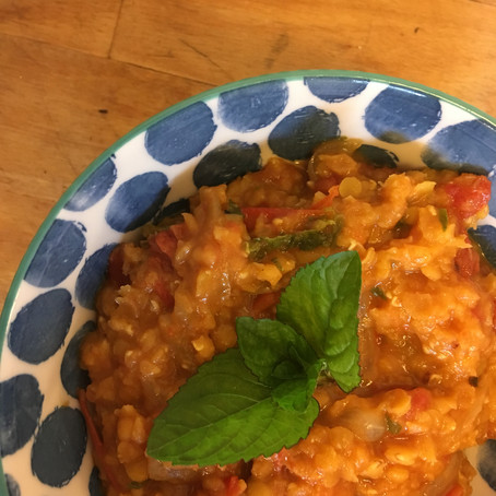 Paradicsomos vöröslencse mentával / Red Split Lentils with Tomatoes and Mint