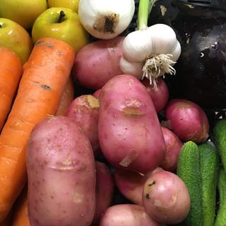 Korai nyári dobozrészlet / Peek into our Early Summer Vegetable Box
