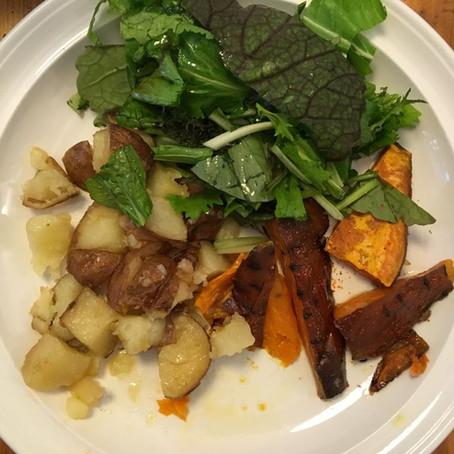 Lusta sült krumpli Oriental salátával és édesburgonyával / Lazy Potato Bake with Oriental Leaves and